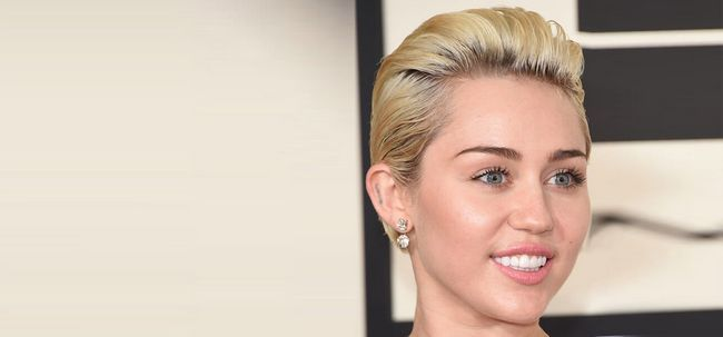 10 Coiffures courtes blondes pour vous inspirer