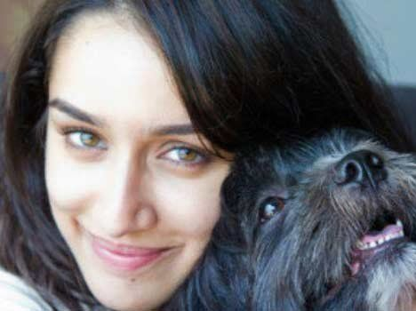 10 Shraddha kapoor sans photos de maquillage