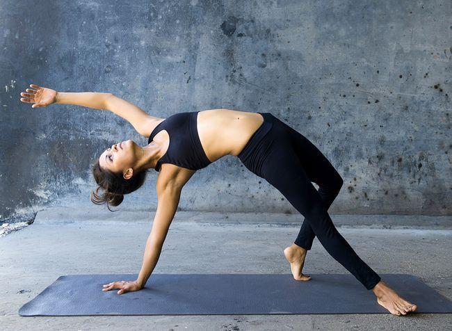 7 Raisons Surprenant que vous devriez faire du yoga maintenant (y compris le sexe)