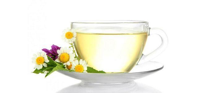 19 Avantages étonnants du thé à base de plantes pour la peau, les cheveux et la santé