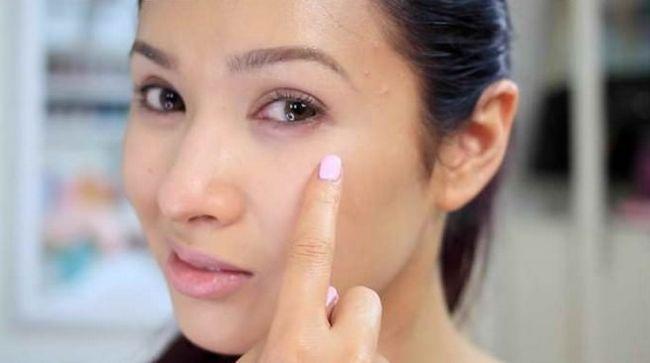 20 Façons de se débarrasser des cernes sous les yeux
