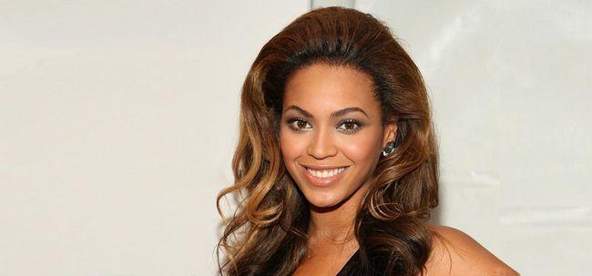 5 Célébrités mettant en vedette les coiffures de tissage