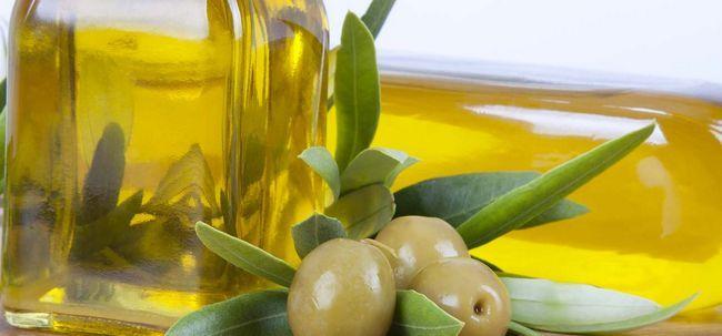 7 Avantages étonnants de l`huile d`olive extra vierge pour la peau, les cheveux et la santé