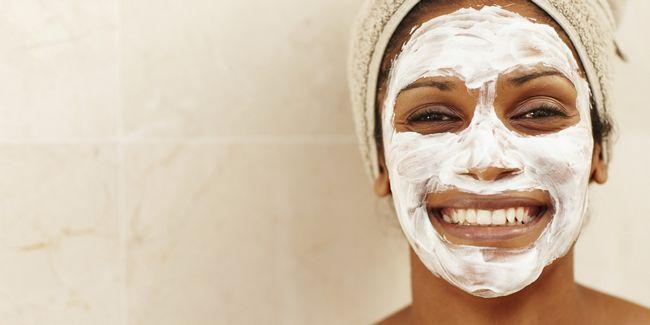 8 Masques blancs d`oeufs qui peuvent vous bénéficier