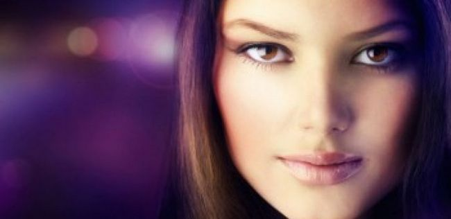 8 Visage contournage et mettant en évidence des conseils de maquillage des pros