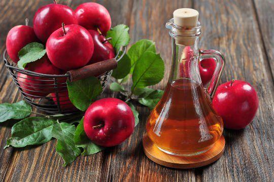Vinaigre de cidre de pomme pour le traitement de l`acné