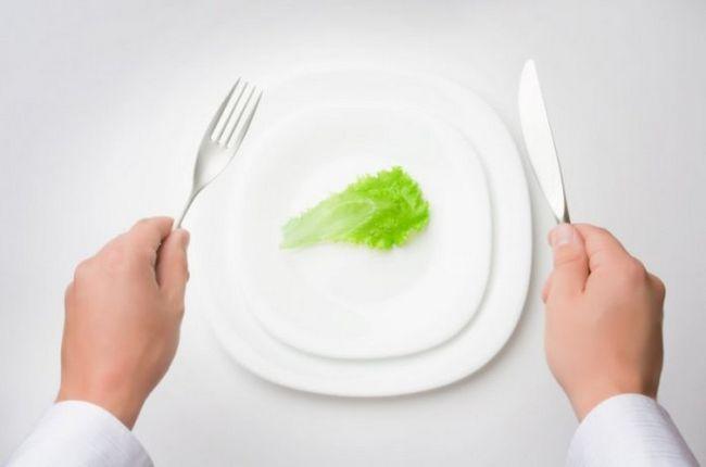 Manger moins améliore l`humeur, de la libido et le sommeil chez les personnes en bonne santé. Une étude révèle que