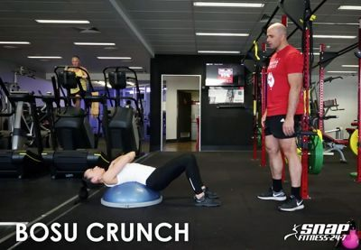 HIIT formation avec l`entraîneur Snap Fitness Steve Irwin