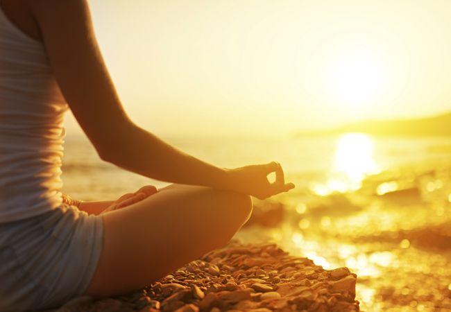 Comment déstresser avec le yoga