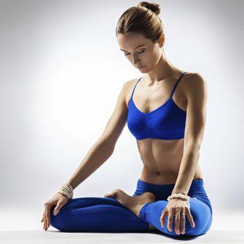 Comment le yoga garde votre corps jeune