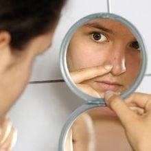 Maquillage et acné - comment appliquer le maquillage sur la peau sujette à l`acné