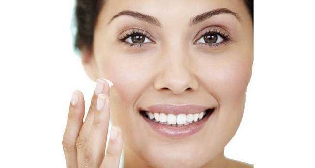 Trucs secrets que vous devez savoir sur l`amorce de maquillage révélé