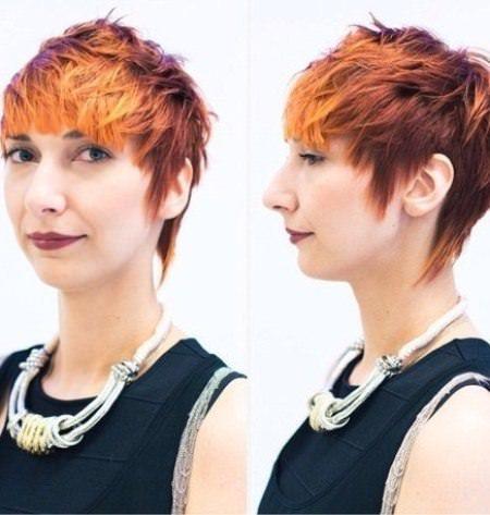 Coupes de cheveux courts hérissés pour les femmes