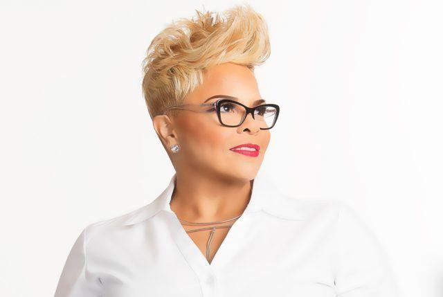 Styliste Tamela mann partage le secret de sa fabuleuse Pixie blond