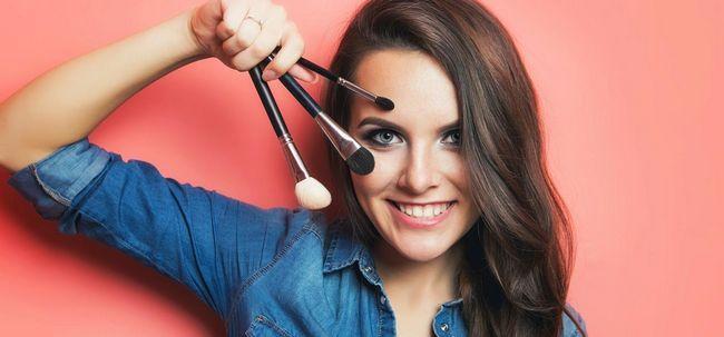 Le guide ultime pour pinceaux de maquillage - différents types et leurs utilisations