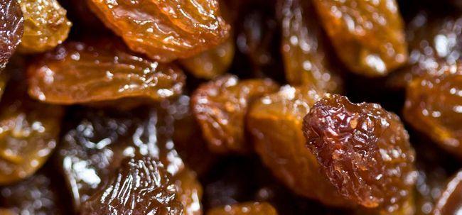 Top 23 des avantages de raisins secs (Kishmish) pour la santé, la peau et les cheveux